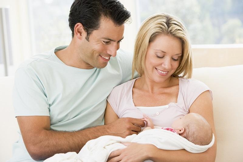 Tu hijo a punto de nacer: todo lo que vas a necesitar al hacer tu maleta