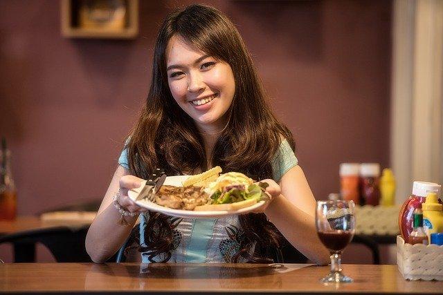 Aprende a comer bien fuera de casa