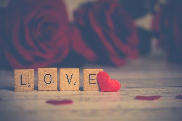 Mitos e ideas erróneas sobre el amor romántico