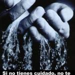 La persona que amas es 78% agua. Si no tienes cuidado, no te extrañes de que se te escape entre las manos.