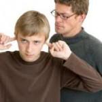 padres discuten con hijos