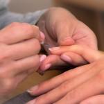 cuidado-manos-esmalte