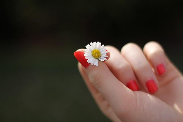 uñas-manos