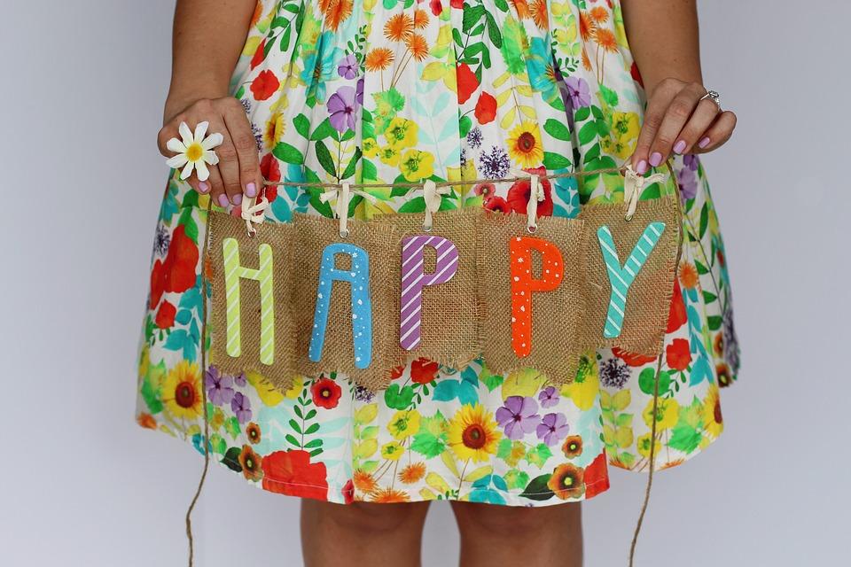 Deseo que tengas un día lleno de juguetes, tartas, chocolates, y diversión, mi querida y dulce niña.