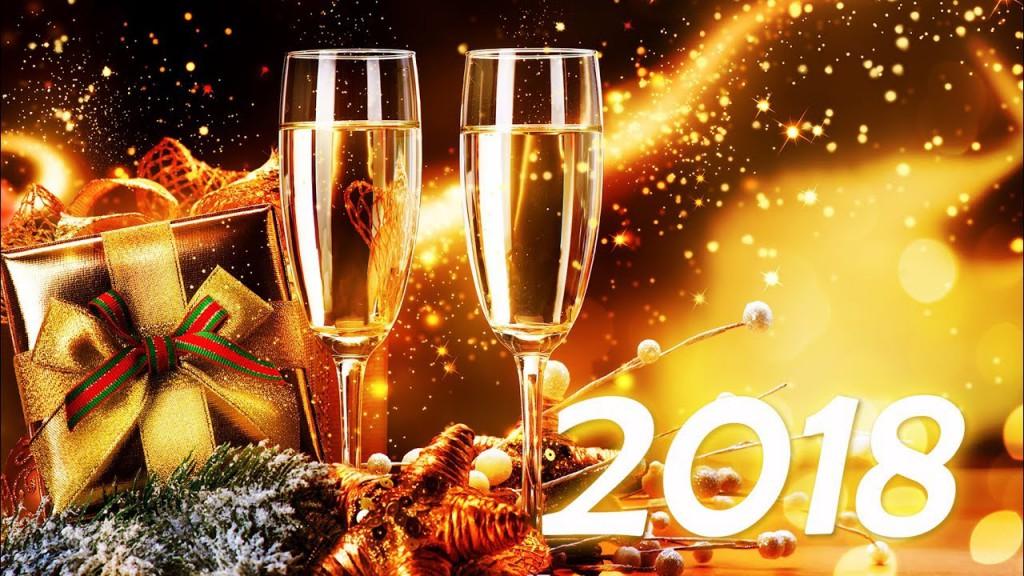 No hay mejor adorno para el arbolito de Navidad, que una sonrisa. No hay mejor regalo que encontrar bajo el arbolito, que el amor de nuestra familia. Feliz Navidad y Próspero Año Nuevo 2018.