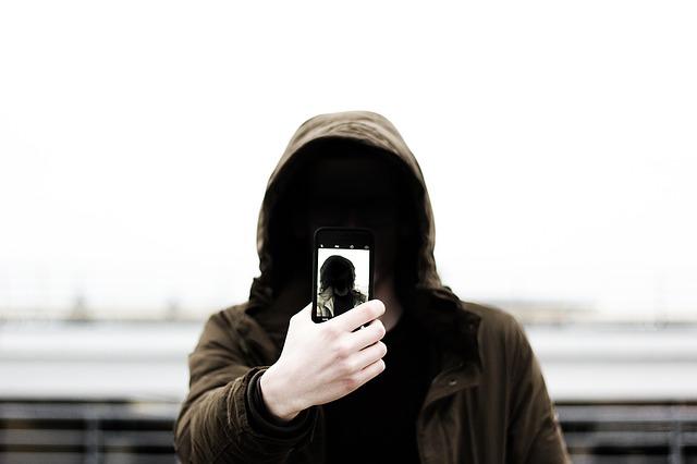 robo-movil-celular