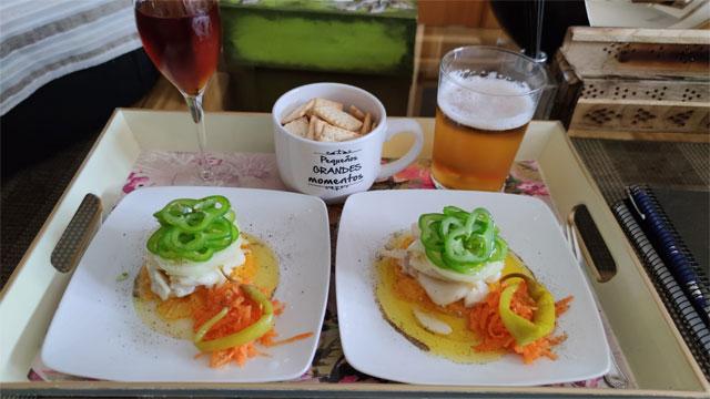 Ya está aquí....la Gastrotapa de La Oronja Home... Ensalada de bacalao y naranja con crudite de verduritas y piparra....deliciosa...ahora os contamos que tal está...