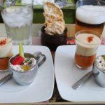 Dúo de gazpacho y hummus de garbanzos con ensaladilla de atún y tallarines de patata